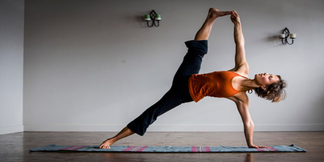 Vasisthasana, the Sage Pose for Weight Loss