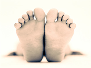 Causes and Treatment of Pain in Soles in Hindi | तलवों