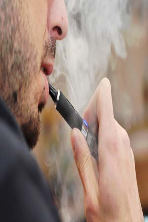 <strong>E</strong>-Cigarettes Just As Harmful As Regular Cigarettes