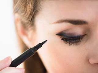 Your Eyeliner Might <strong>Make</strong> You Blind