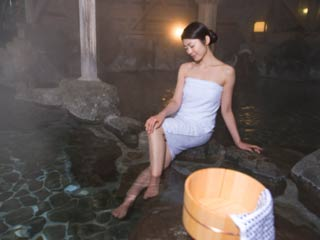 7 Ways hot water bath at night will improve your sleep