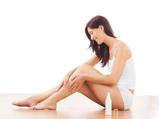 Simple make up tips to cover stretch marks and varicose veins