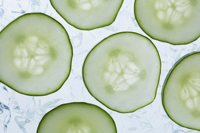 Use cucumber for treating root canal pain