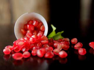Pomegranates Healthiest than any other <strong>Fruits</strong>: Study