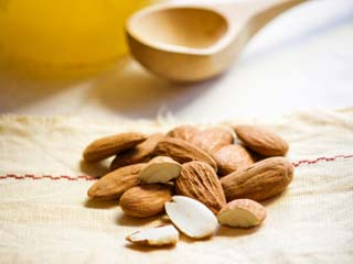 Eat Almonds to Reduce Risk of Cardiovascular Disease