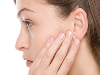 Home <strong>remedies</strong> to <strong>treat</strong> ear congestion