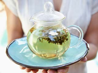 How to drink <strong>green</strong> <strong>tea</strong> without the side-effects