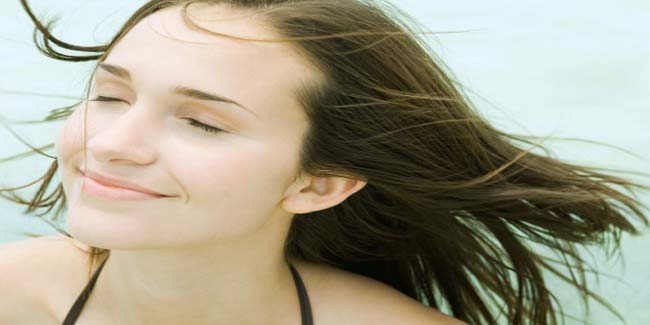 Ways to manage oily hair naturally