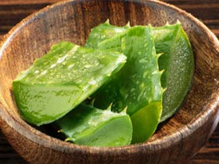 How to use aloe vera for hair