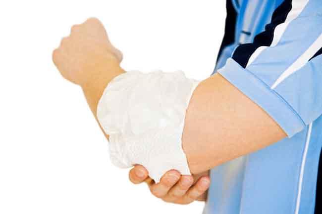 प्राकृतिक उपायों से करें टेनिस एल्बो के दर्द को दूर