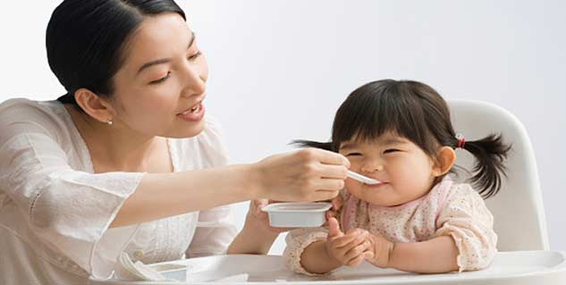 Feeding a toddler