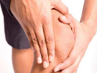 4 <strong>Ayurvedic</strong> oils that can help relieve joint pain