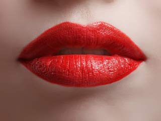 5 easy ways to get soft and pretty <strong>lips</strong>