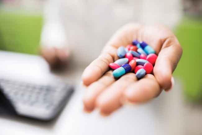 Image result for दवाओं को लेते समय