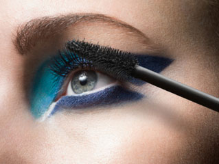 5 Affordable eye makeup <strong>products</strong> every girl should have