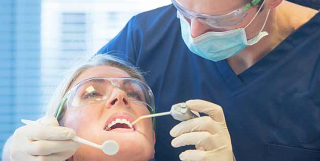 Complications of wisdom tooth removal surgery