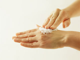 Make your Hands Softer and Younger in Less than a <strong>Minute</strong>