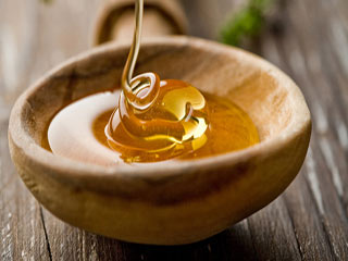 7 Home-<strong>Made</strong> Honey Packs For Beautiful Skin
