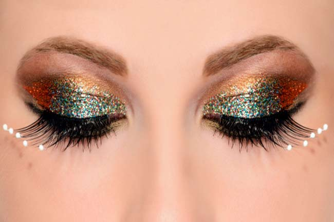 Glitter and Shimmer on Your Eyelids