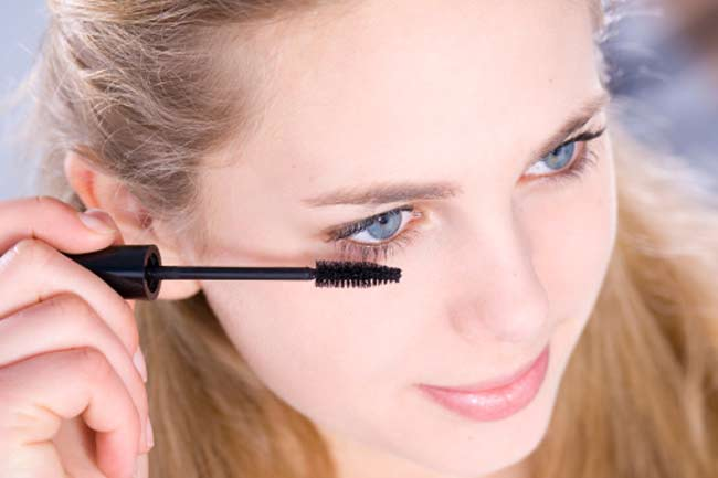 Gummed-up Lashes