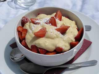 Healthy dessert: Fresh <strong>fruit</strong> custard recipe