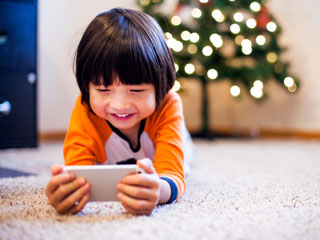 Smartphone could be making your <strong>Kids</strong> Anti-social