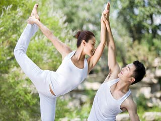 Intimacy <strong>exercises</strong> for couples to get the spark back
