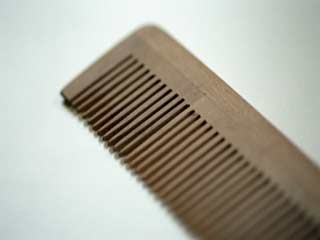 Why you should use a wooden comb for your mane