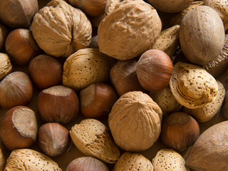 Eating 60 grams of walnuts daily cuts heart disease risk