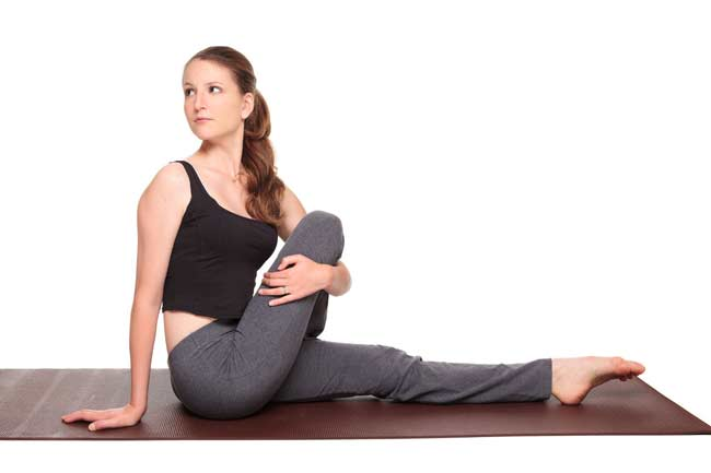 Single-legged spine rotation for fullness