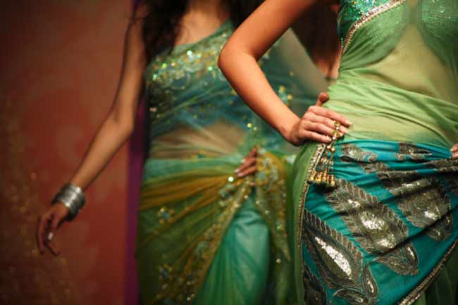 Wear the perfect sari