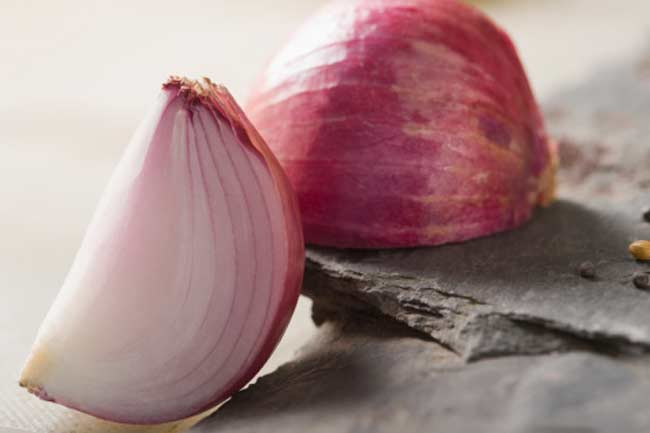 Onion helps dispose of toxins