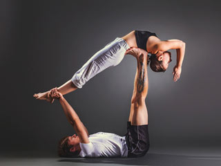 yoga poses for couples  effective yoga poses for couple