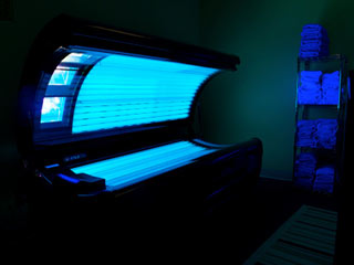 How Does a Tanning Bed <strong>Work</strong>?