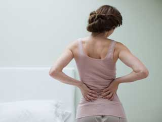 What causes <strong>back</strong> <strong>pain</strong>?