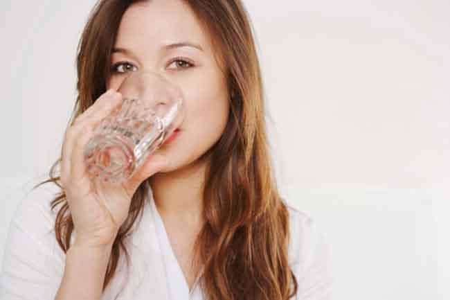 Image result for गर्म पानी पीने के 11 अद्भुत फायदे