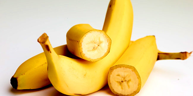 Remove the split ends with a banana