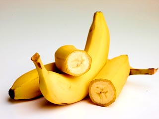Remove the split ends with a <strong>banana</strong>