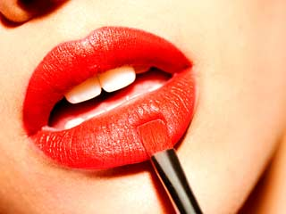 5 Dangerous metals your <strong>lipstick</strong> is made of