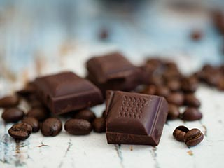 <strong>Choose</strong> dark chocolate for health benefits