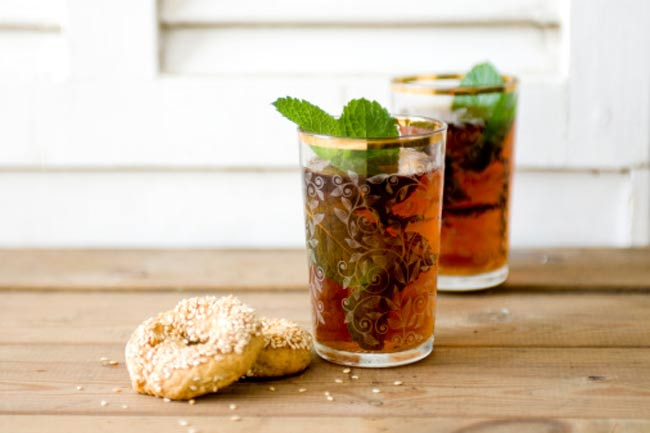 Iced tea with fresh mint