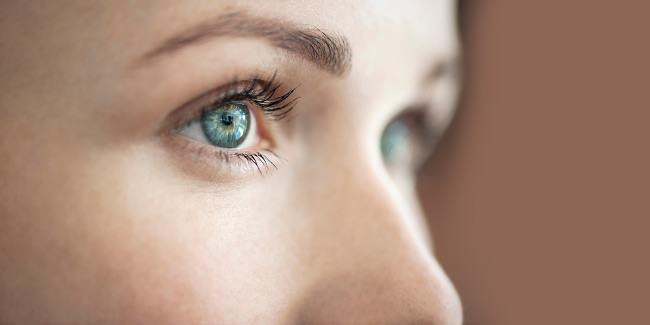 Floaters and Flashes in the Eyes: Causes and Treatment | Eye