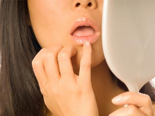 Why you should avoid applying <strong>lip</strong> balm with your fingers