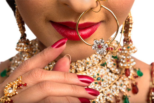 Why Women Wear Nose Ring In Hindi
