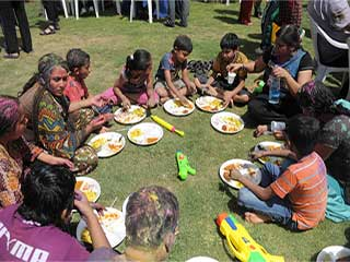 <strong>Eat</strong> Right on Holi