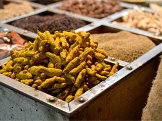 Turmeric is efficient to fight against drug <strong>resistant</strong> tuberculosis