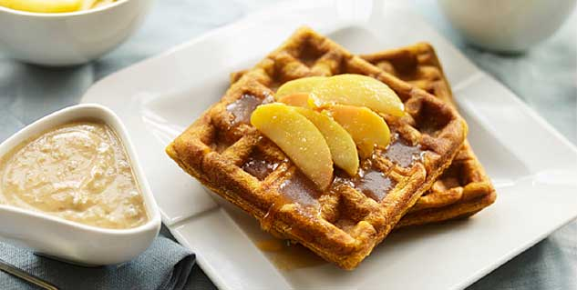 Apple Raspberry Waffles in Hindi