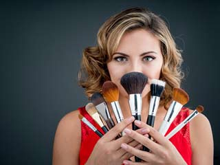 Essential makeup brushes every newbie must have