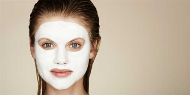 Egg and tissue paper peel off mask