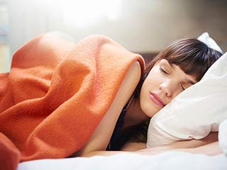 Avoid these <strong>sleep</strong> habits if you are planning to conceive